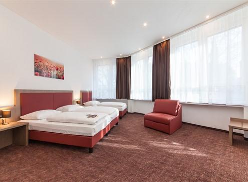 Novum Hotel Excelsior Family room