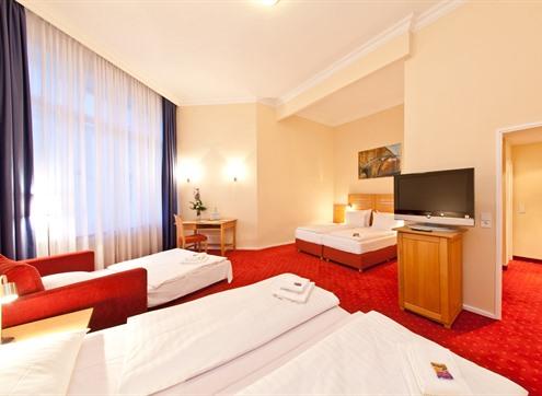 Novum Hotel Gates Family room