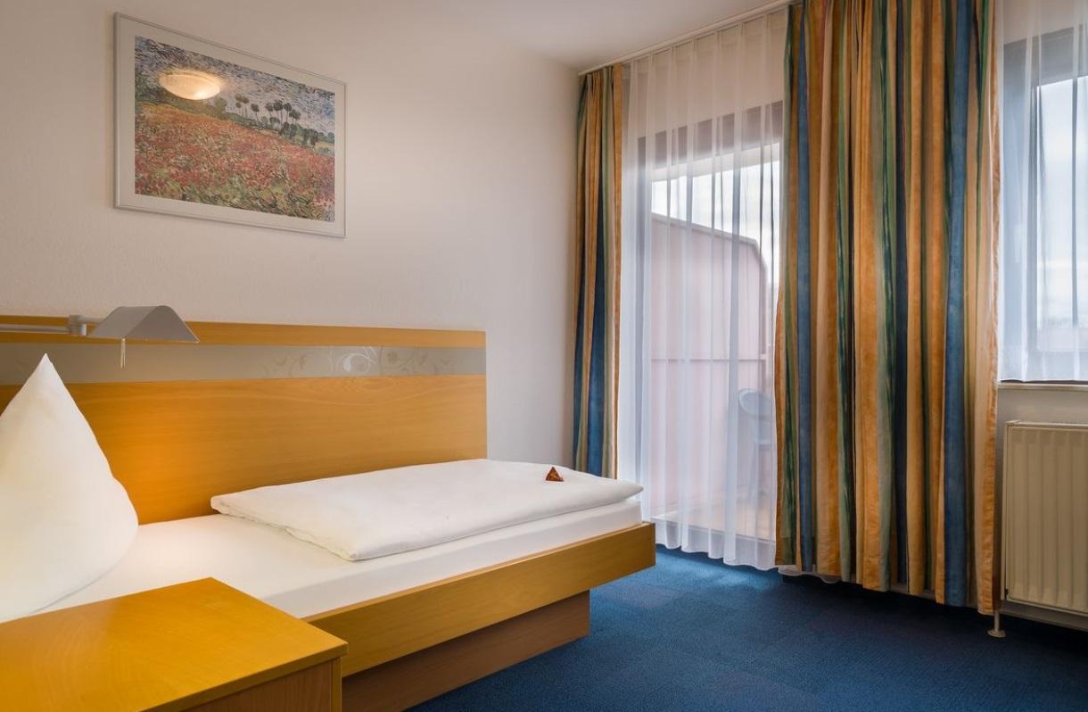 acora Hotel und Wohnen Karlsruhe Standard Single Apartment